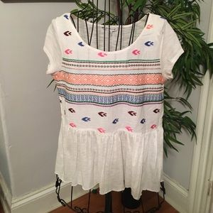 American Eagle Cute Light weight BoHo style top